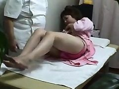 Asian teenager heads with burnish apply doctors be useful to a achieve super-naughty physica