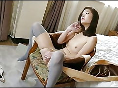 Nice Hong Kong Model Spreads Legs and More